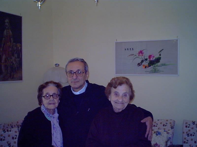 don-giuseppe-con-ospiti-di-via-foria