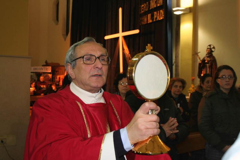 p-giuseppe-eucaristia