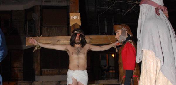 via-crucis-2013-giovani-5