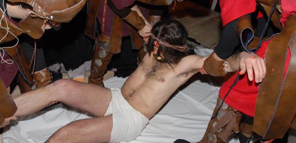 via-crucis-2013-giovani-6