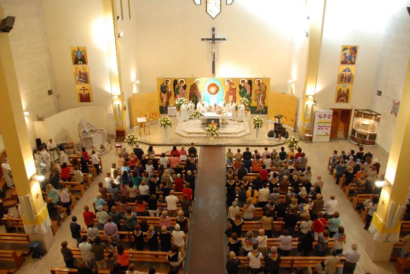 foto-dal-matroneo-durante-una-preghiera-del-rns