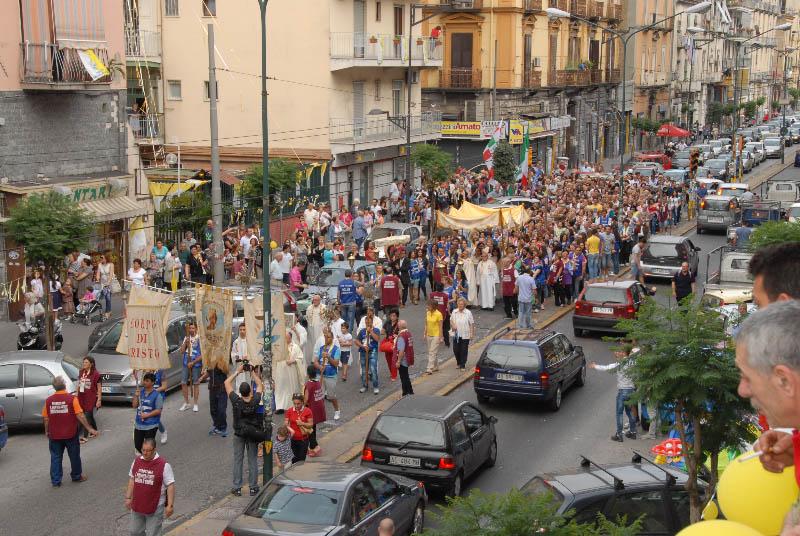 processione-eucaristica-4